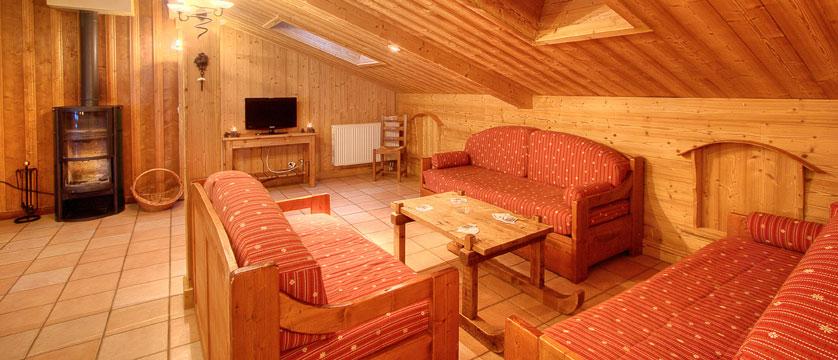 France_La-Plagne_Balcons-de-Belle-Plagne-Apartments_Living-area.jpg